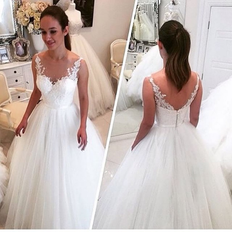 Sccop Neck Elegant Lace Applqiue Ball Gown Wedding Dresses Fashion Tulle Bridal Gown
